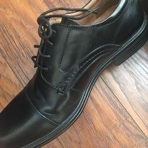Men's Florsheim Comfortech dress shoes 8D/Black